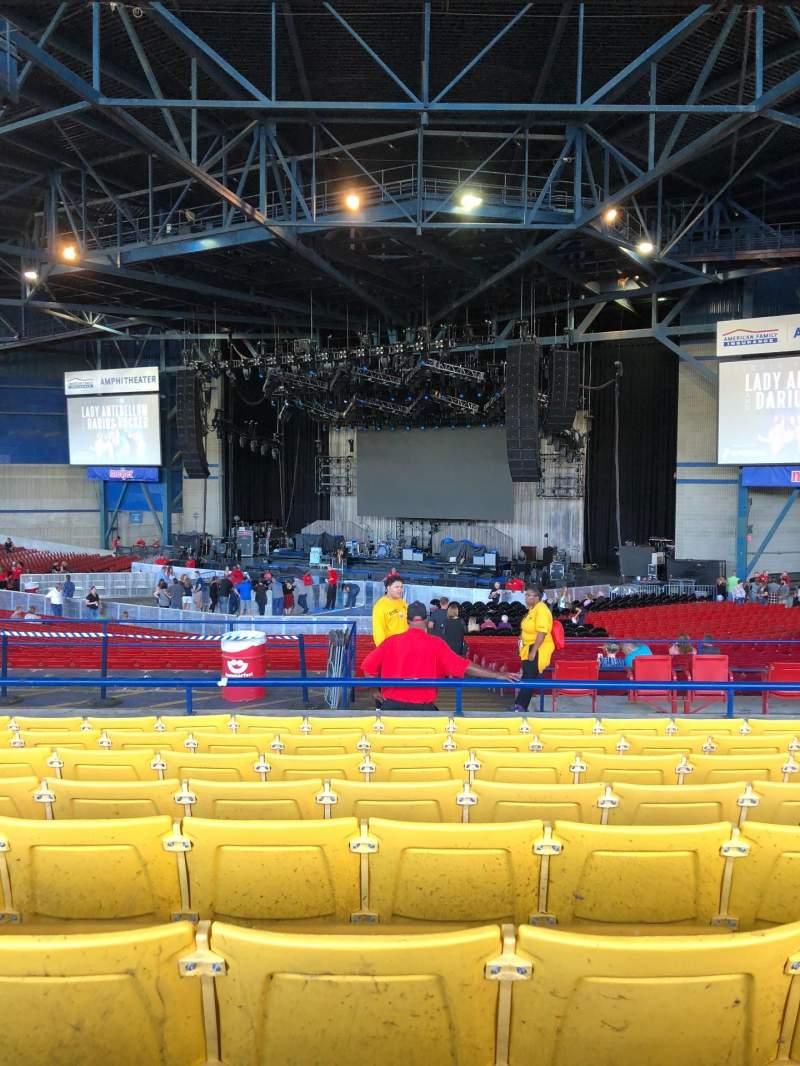 Vista sentada para American Family Insurance Amphitheater Secção 5 Fila H Lugar 27