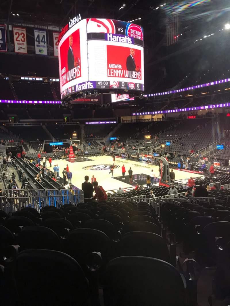 Vista sentada para State Farm Arena Secção 104 Fila M Lugar 12