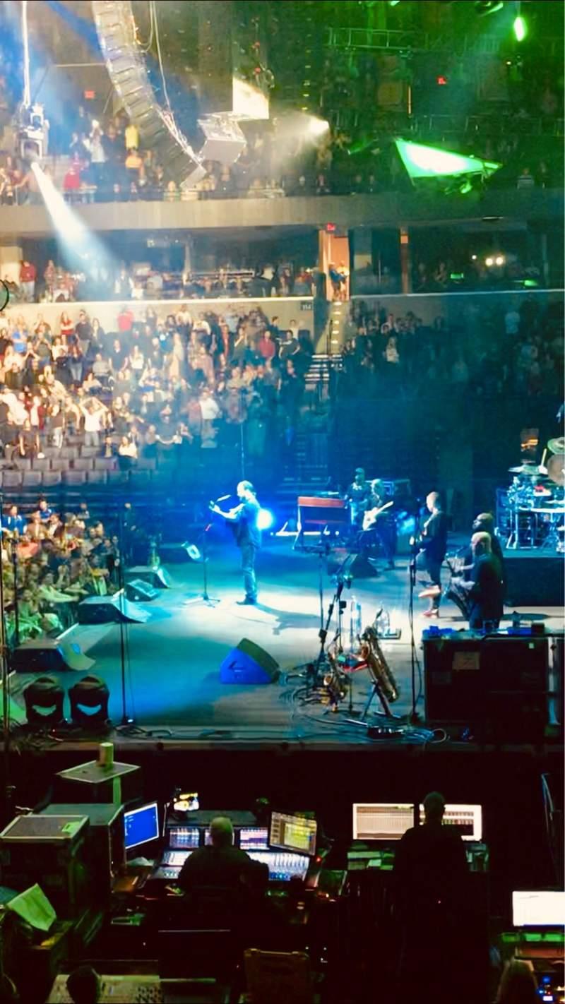 Vista sentada para John Paul Jones Arena Secção 101 Fila R Lugar 16