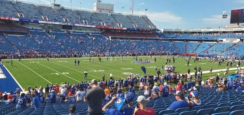 Vista sentada para Highmark Stadium Secção 115 Fila 27 Lugar 21