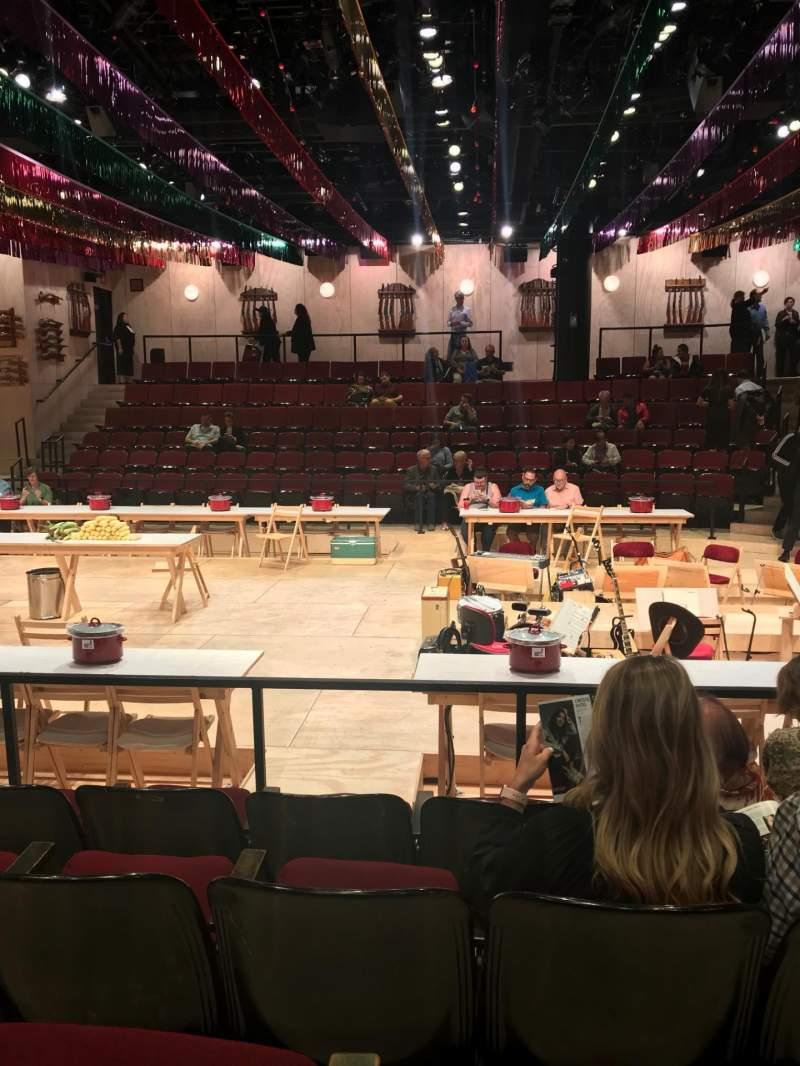 Vista sentada para Circle in the Square Theatre Secção Orchestra 200 (Odd) Fila E Lugar 219