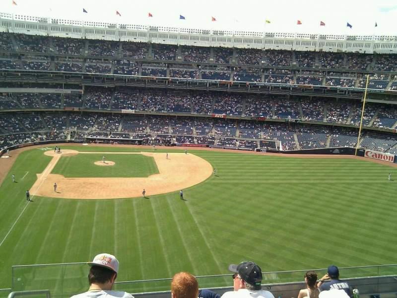 Vista sentada para Yankee Stadium Secção 305 Fila 7 Lugar 29