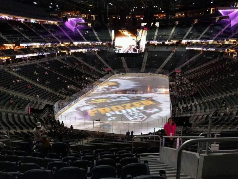 Vista sentada para T-Mobile Arena Secção 102 Fila j Lugar 12