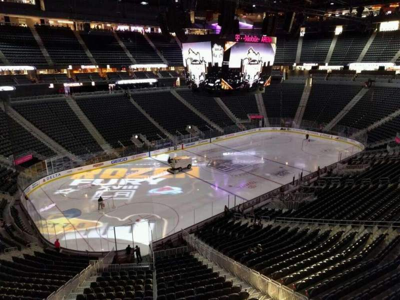 Vista sentada para T-Mobile Arena Secção 210 Fila a Lugar 1