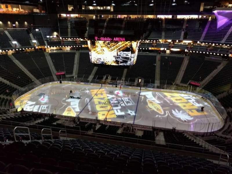Vista sentada para T-Mobile Arena Secção 206 Fila n Lugar 11