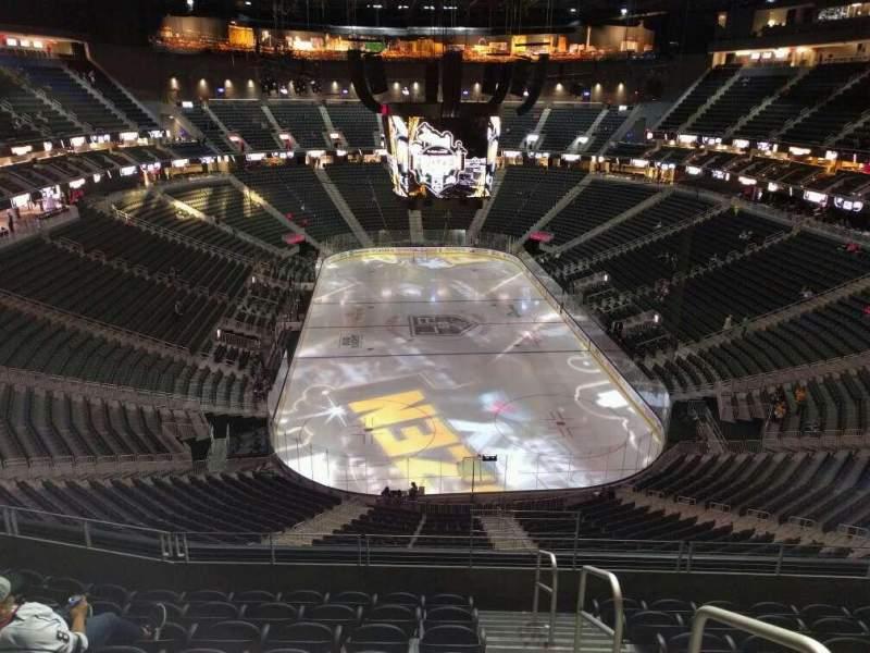 Vista sentada para T-Mobile Arena Secção 213 Fila h Lugar 16
