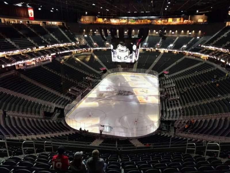 Vista sentada para T-Mobile Arena Secção 215 Fila m Lugar 9