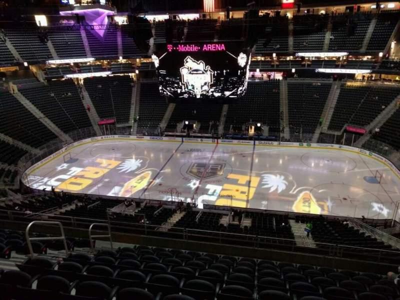 Vista sentada para T-Mobile Arena Secção 224 Fila j Lugar 8