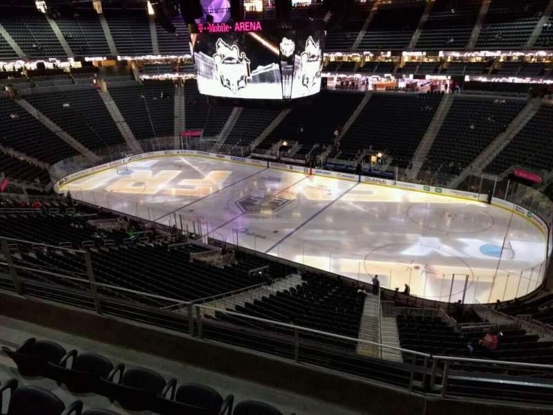 Vista sentada para T-Mobile Arena Secção 226 Fila d Lugar 7