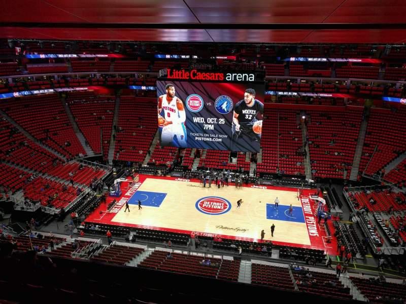 Vista sentada para Little Caesars Arena Secção 211 Fila 6 Lugar 9