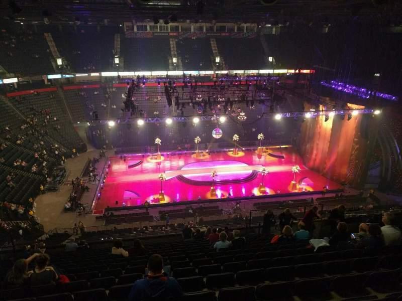 Vista sentada para Manchester Arena Secção 213 Fila r Lugar 17