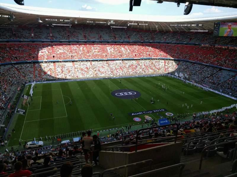 Vista sentada para Allianz Arena Secção 301 Fila 15 Lugar 11