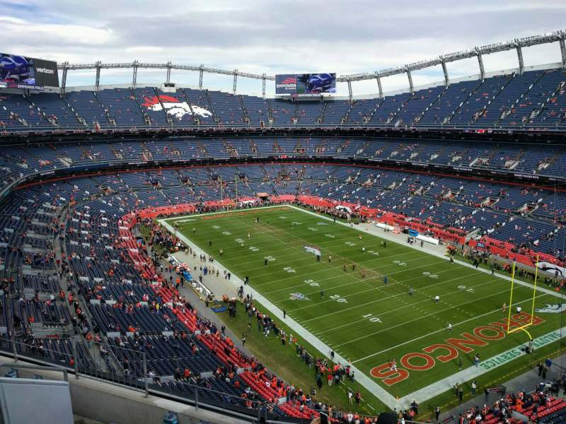 Vista sentada para Empower Field at Mile High Stadium Secção 500 Fila 6
