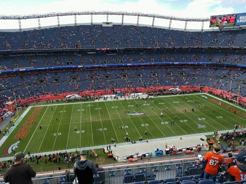 Vista sentada para Empower Field at Mile High Stadium Secção 536 Fila 10 Lugar 14