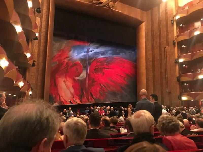 Vista sentada para Metropolitan Opera House - Lincoln Center Secção Orch Fila V Lugar 19