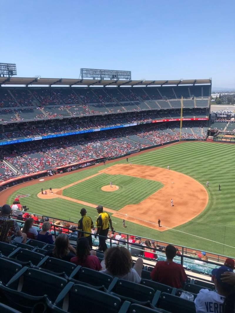 Vista sentada para Angel Stadium Secção 530 Fila G Lugar 24