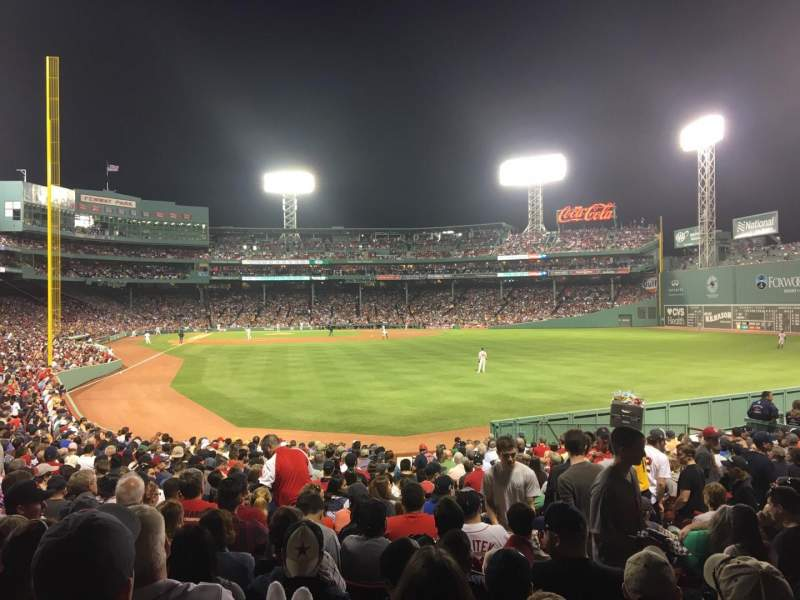 Vista sentada para Fenway Park Secção Right Field Box 89 Fila QQ Lugar 4
