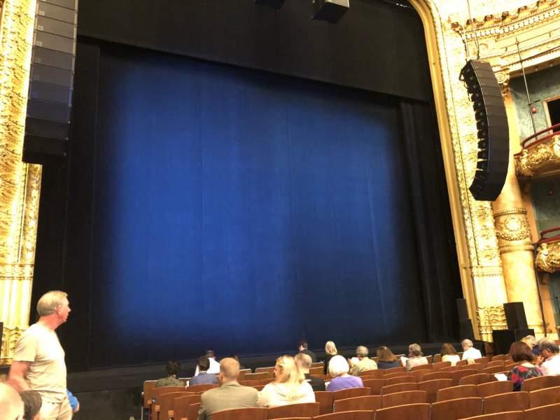 Vista sentada para Emerson Colonial Theatre Secção Orchestra L Fila L Lugar 1