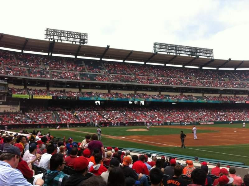 Vista sentada para Angel Stadium Secção 128 Fila L Lugar 7