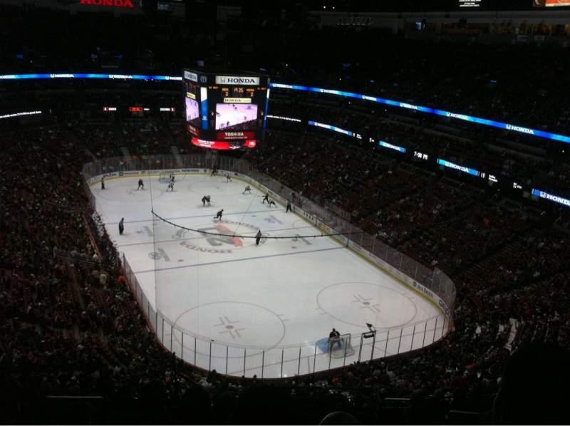 Vista sentada para Honda Center Secção 403 Fila N Lugar 11