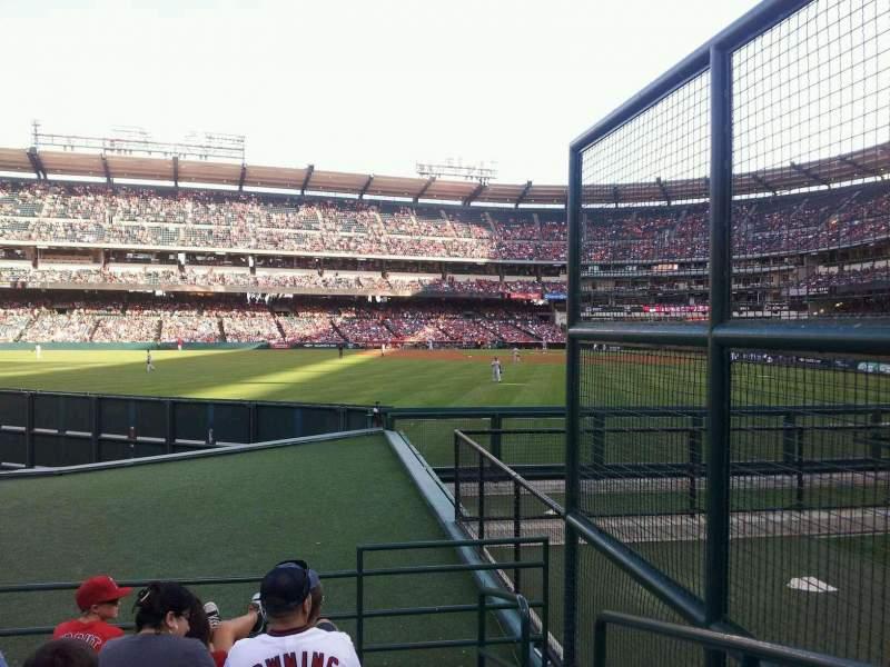 Vista sentada para Angel Stadium Secção 257 Fila E Lugar 2