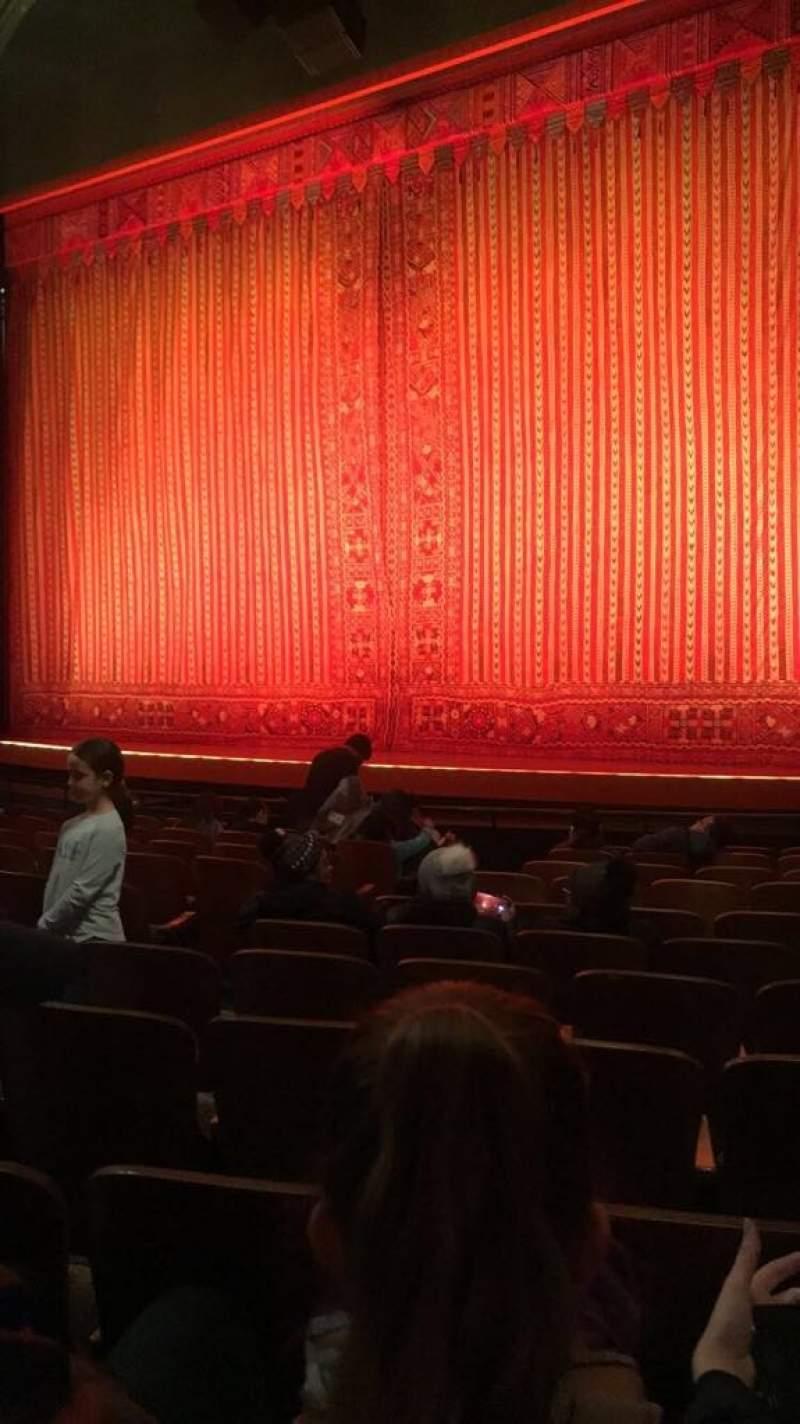 Vista sentada para New Amsterdam Theatre Secção Orchestra R Fila L Lugar 10