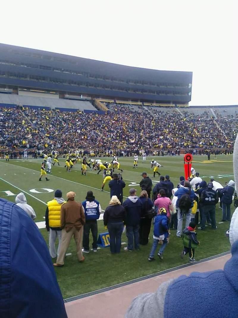 Vista sentada para Michigan Stadium Secção 26 Fila 1