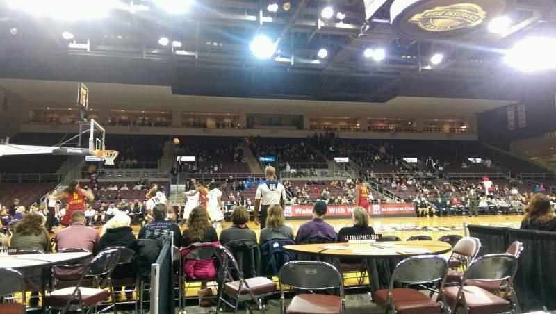 Vista sentada para Erie Insurance Arena Secção 118 Fila A Lugar 14