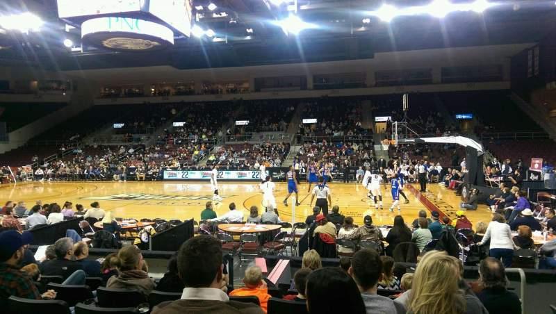 Vista sentada para Erie Insurance Arena Secção 120 Fila H Lugar 3