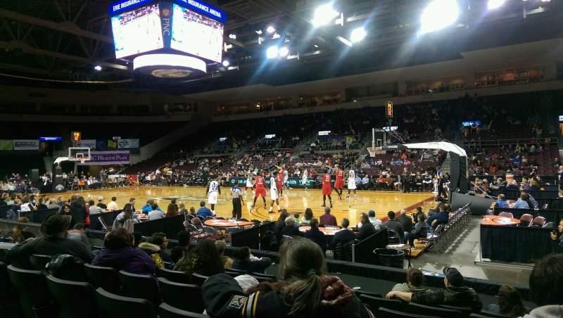 Vista sentada para Erie Insurance Arena Secção 122 Fila G Lugar 3