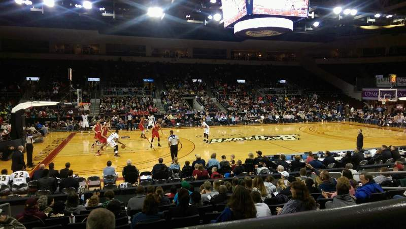 Vista sentada para Erie Insurance Arena Secção 203 Fila K Lugar 11