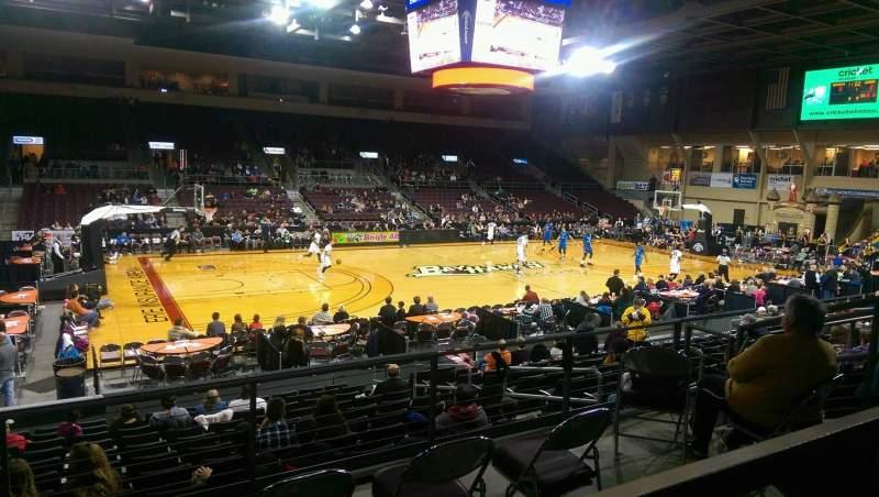 Vista sentada para Erie Insurance Arena Secção 217 Fila P Lugar 7