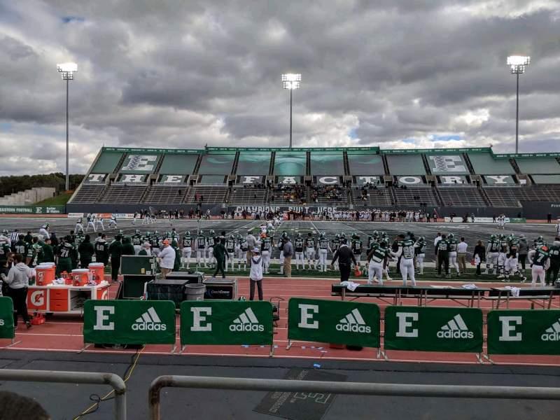 Vista sentada para Rynearson Stadium Secção 105 Fila B Lugar 1