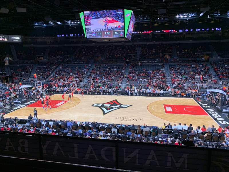 Vista sentada para Michelob Ultra Arena Secção 220 Fila A Lugar 11