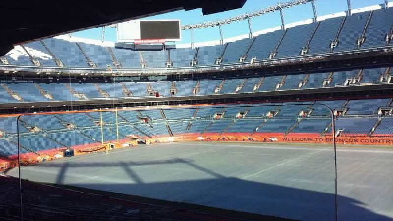 Vista sentada para Broncos Stadium at Mile High Secção Suite