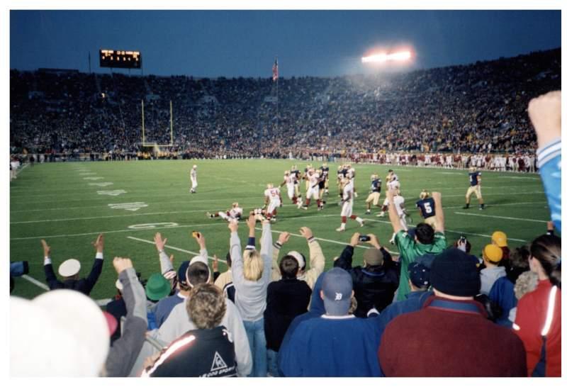 Vista sentada para Notre Dame Stadium Secção 2 Fila 9 Lugar 9