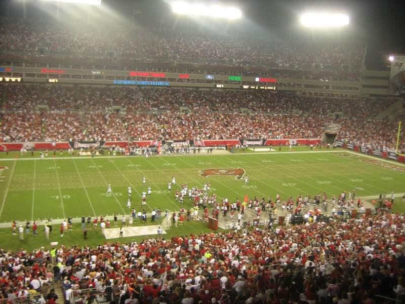 Vista sentada para Raymond James Stadium Secção Suite 10 yd Line Home