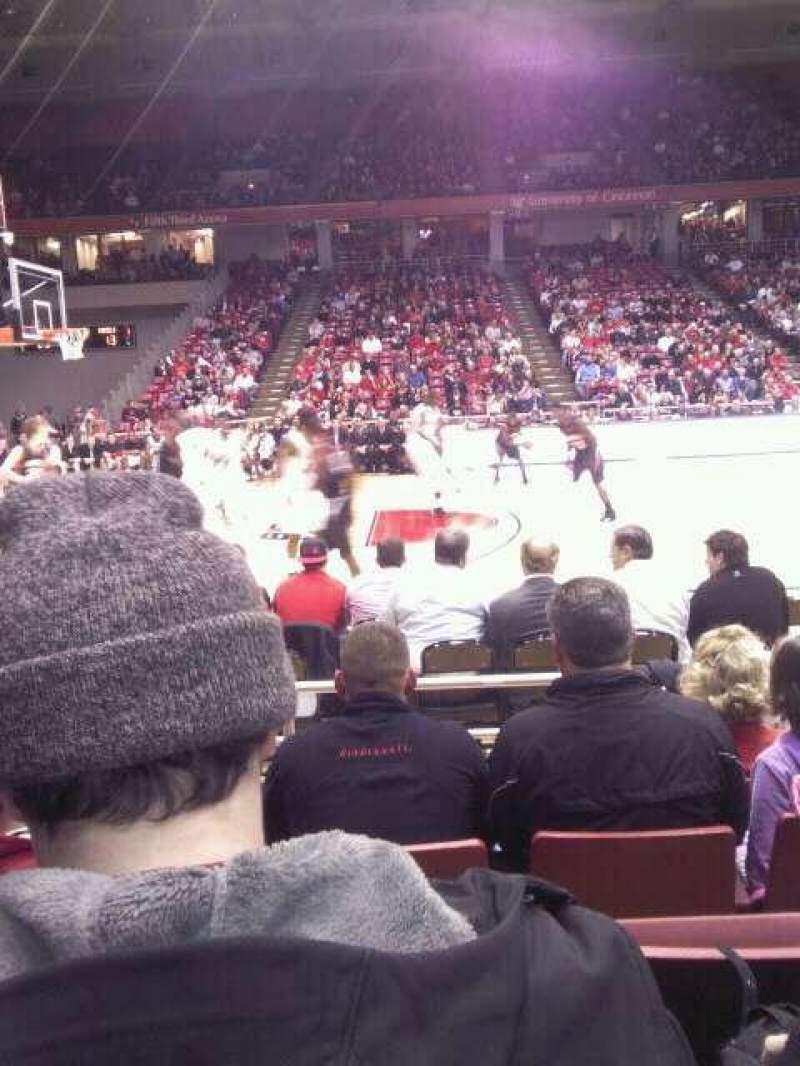 Vista sentada para Fifth Third Arena Secção 106 Fila 5