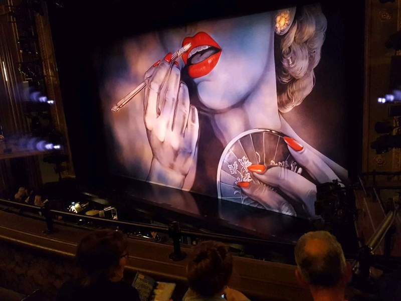 Vista sentada para Nederlander Theatre Secção Mezzanine R Fila C Lugar 24