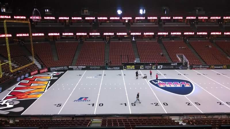 Vista sentada para Honda Center Secção 321 Fila C Lugar 8