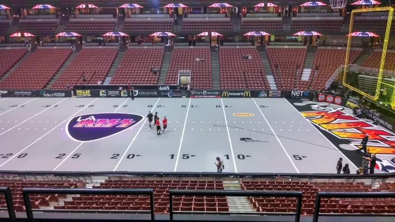 Vista sentada para Honda Center Secção 319 Fila C Lugar 8