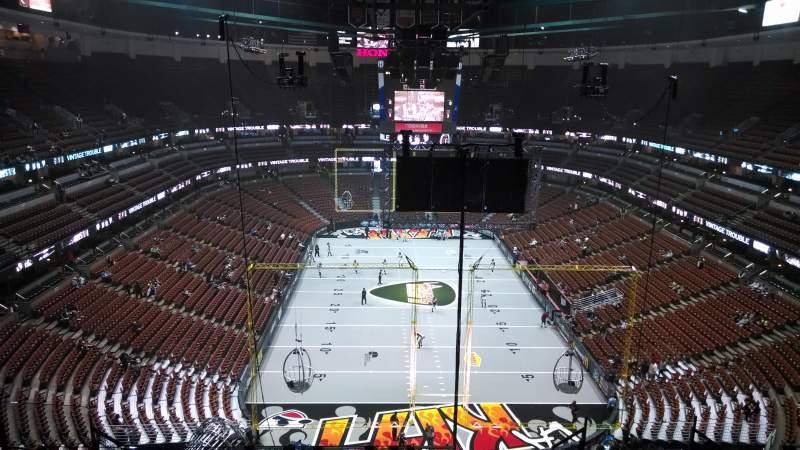 Vista sentada para Honda Center Secção 423 Fila M Lugar 8