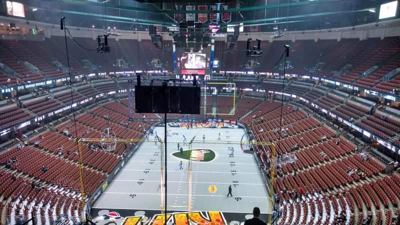 Vista sentada para Honda Center Secção 422 Fila M Lugar 8