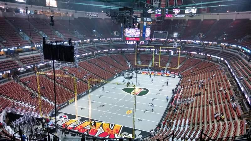 Vista sentada para Honda Center Secção 421 Fila M Lugar 8