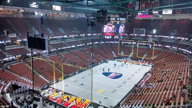 Vista sentada para Honda Center Secção 420 Fila M Lugar 8