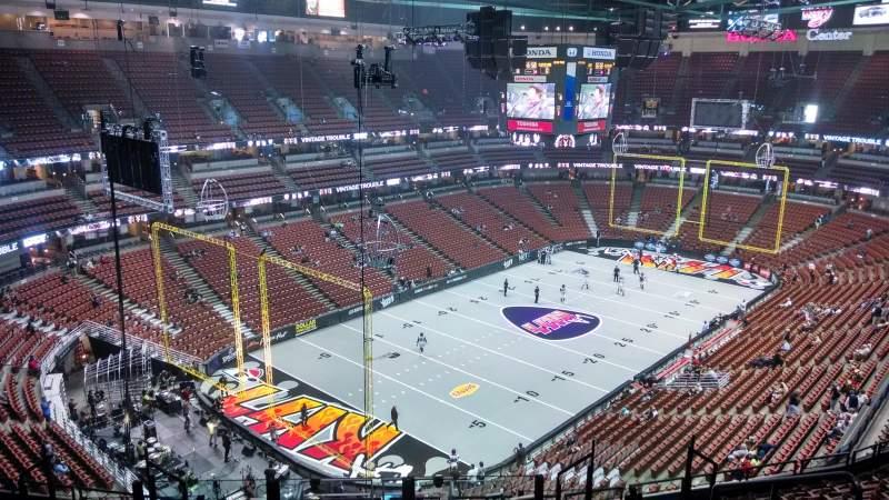 Vista sentada para Honda Center Secção 419 Fila M Lugar 8