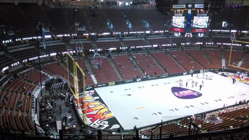 Vista sentada para Honda Center Secção 417 Fila M Lugar 8