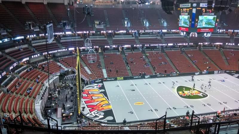 Vista sentada para Honda Center Secção 416 Fila M Lugar 8