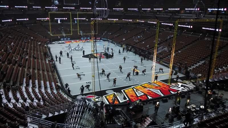 Vista sentada para Honda Center Secção 426 Fila M Lugar 8