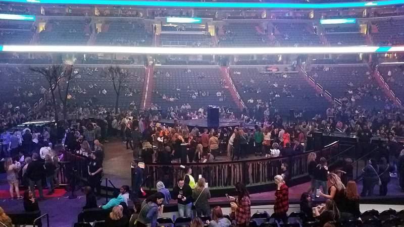 Vista sentada para Capital One Arena Secção 100 Fila L Lugar 4